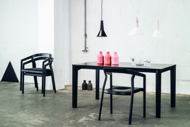 TON Armchair One Stacking Z 2