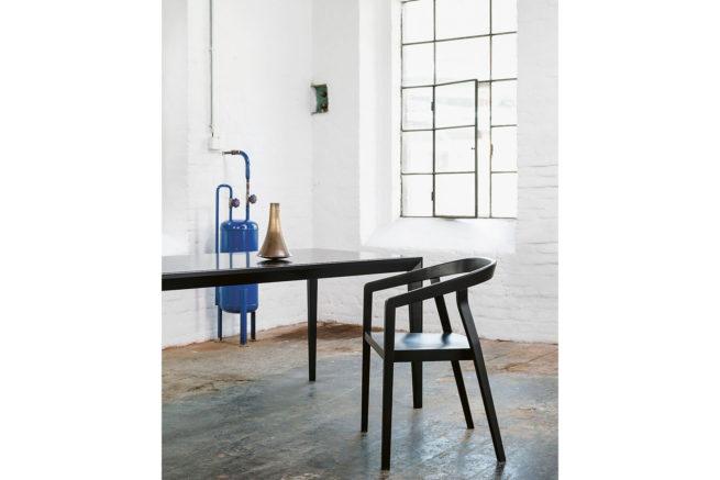 TON Table Trapez Z 5